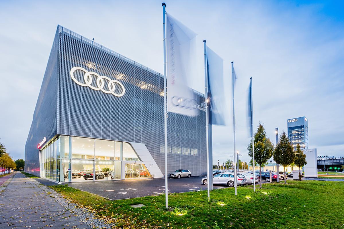 Audi Zentrum Berlin-11