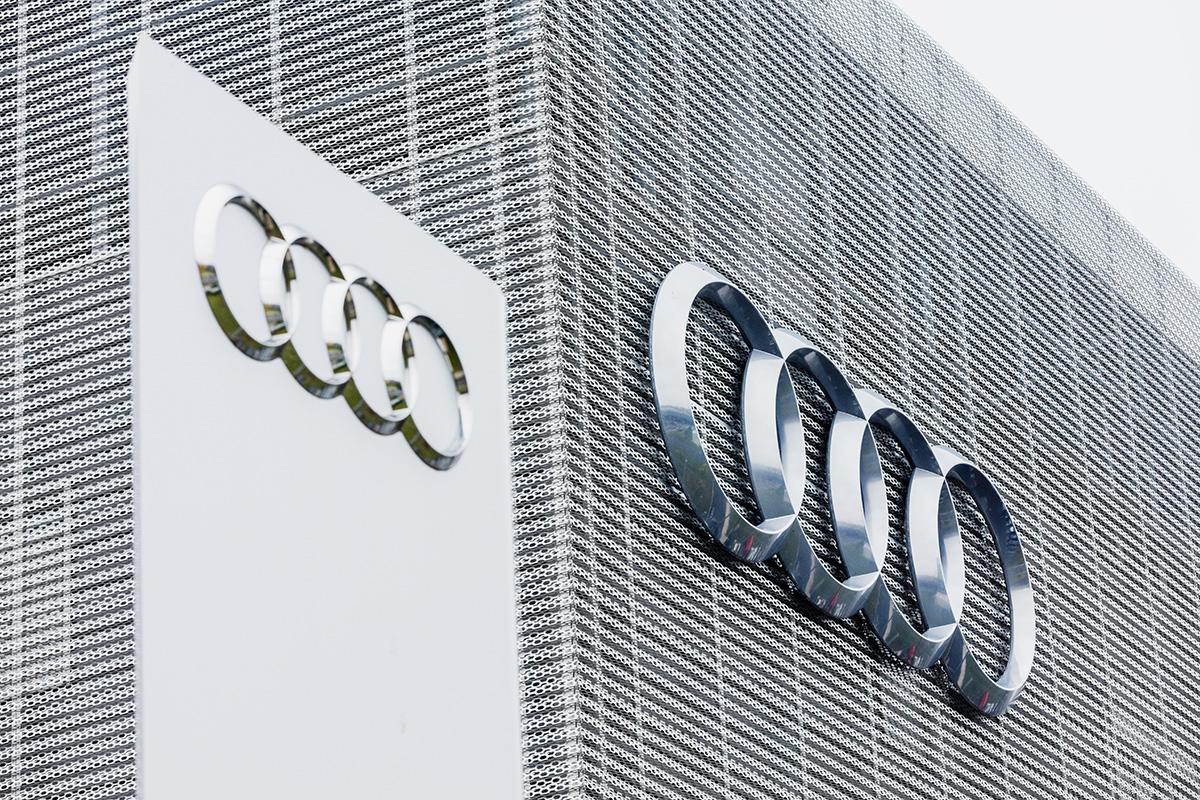 Audi Zentrum Berlin-35