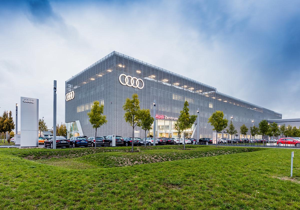Audi Zentrum Berlin-4