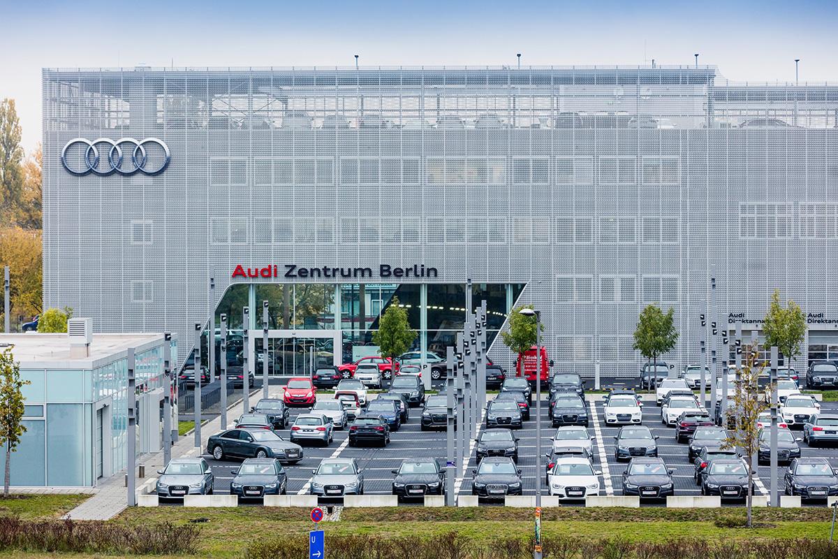 Audi Zentrum Berlin-46