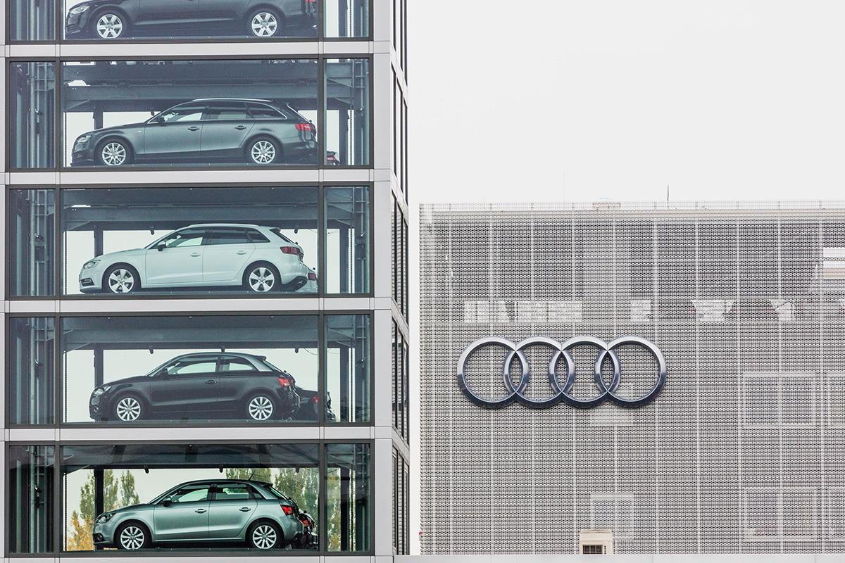 Audi Zentrum Berlin-49